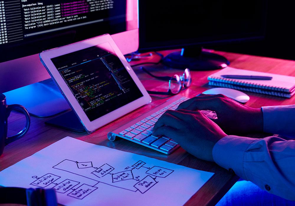 Plataforma web y desarrollo de aplicaciones móviles